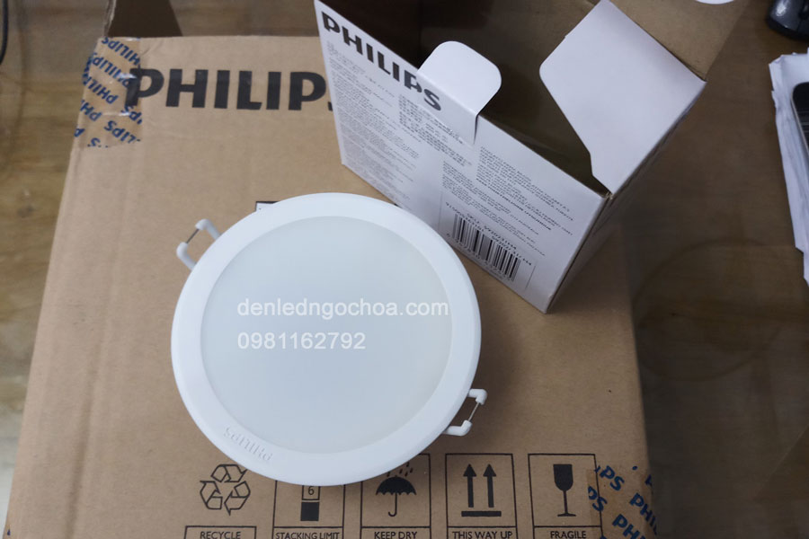 Den Led Am Tran Philips 59448